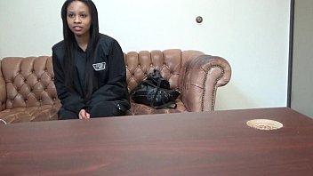 काली लड़की एक अश्लील कास्टिंग पर