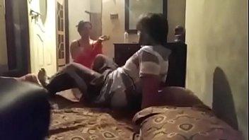 स्वच्छ हिंदी ऑडियो के साथ छिपे हुए कैमरे के माध्यम से भारतीय युगल सेक्स पर कब्जा कर लिया