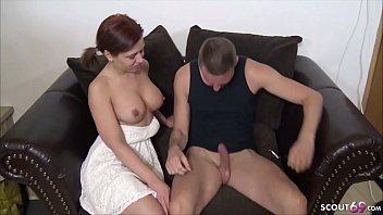 जर्मन किशोर बॉस के साथ सेक्स करता है